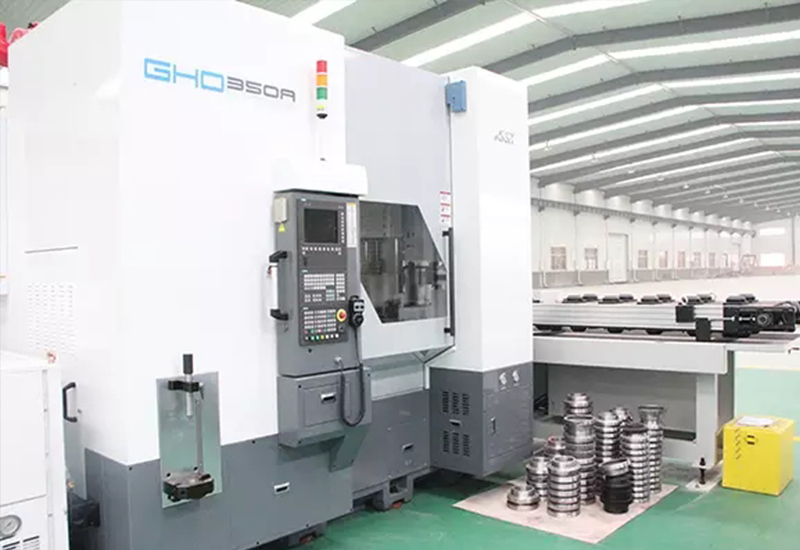 GHO-350A-gear-hobbing-machine-from-Korea